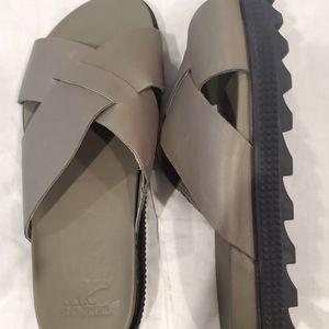 Sorel Roaming Criss Cross Sandals